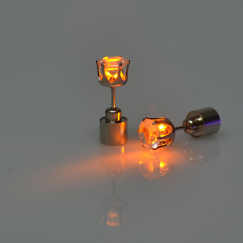 Light Up Crown LED Earrings Studs Flashing Blinking Stainless Steel Novelty Light Earring Studs Dance Party For Men Women 200pcs