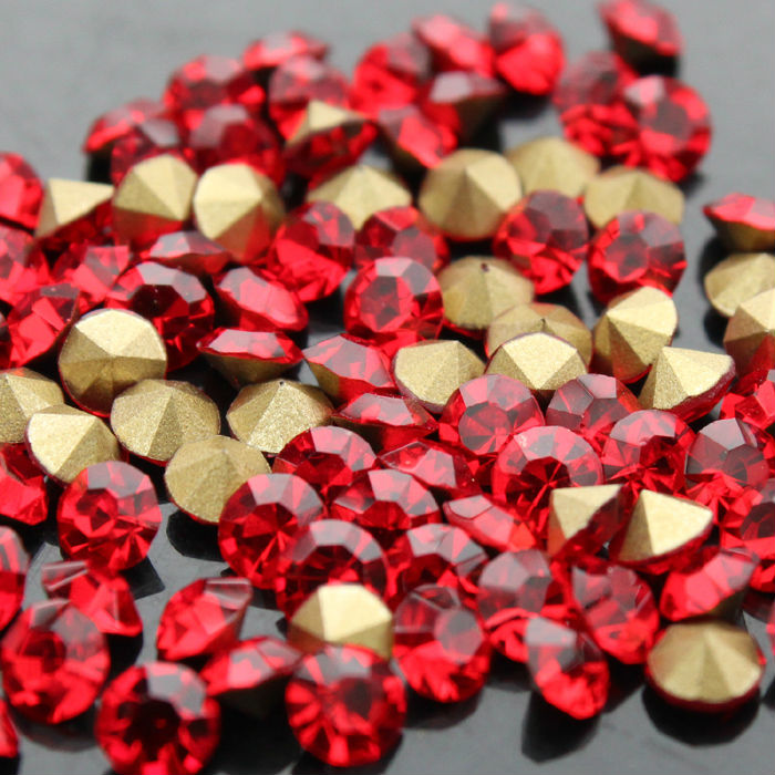 ss4 to ss25 1440pcs bag siam glass Point Back Rhinestones Glass Chaton  Stones for Garment Accessories-in Rhinestones from Home   Garden on  Aliexpress.com ... c4d8be2c83e9