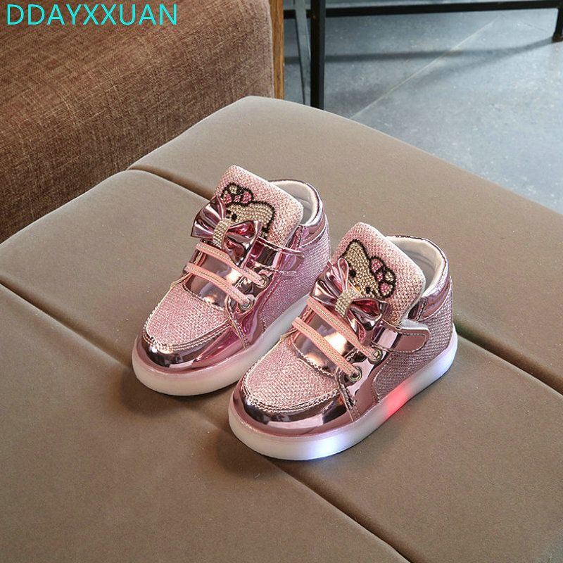 Kids light Shoes with Diamond 2018 New Princess KT Cats Girls Sports Shoes Autumn Winter Cartoon LED Sneakers for Children Boots