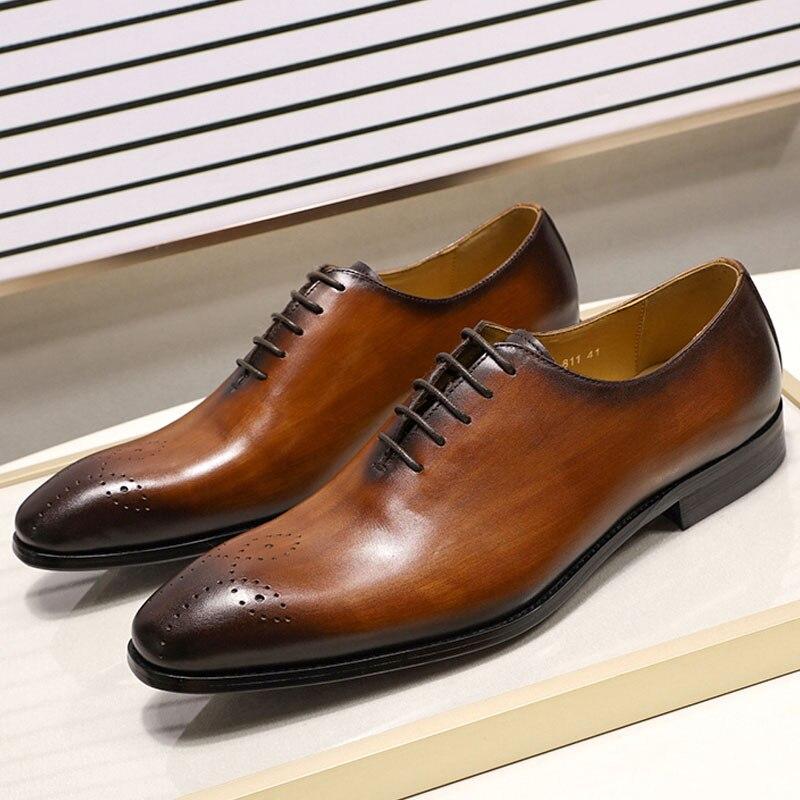 2019 Zapatos de vestir de cuero genuino para hombre hechos a mano diseño italiano de alta calidad marrón negro zapatos de boda de Punta puntiaguda pulido a mano-in Zapatos formales from zapatos    1