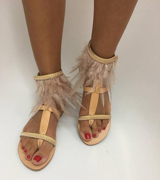 Здесь продается  Summer Super Hot Feather Fringe Women Clip Toe Sandals Small Rhinestone Straps Ladies Fashion Flat Sandals T-Strap Dress Sandals  Обувь