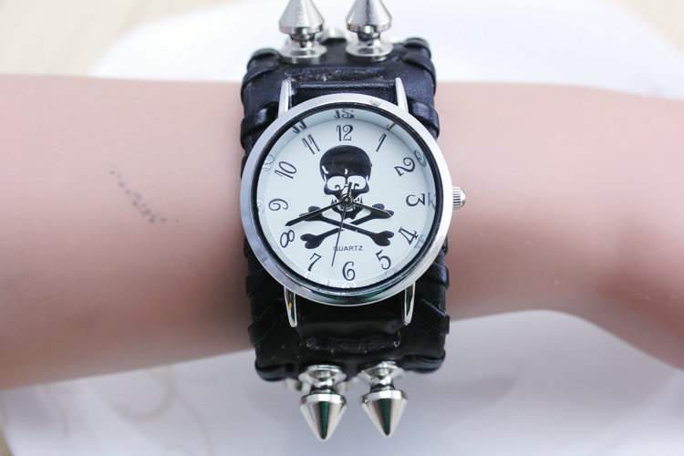 discount sales genuine Rivet leather band skull punk design women dress watch precise quartz movement freeshipping
