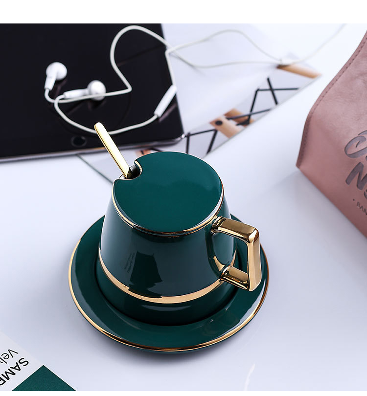 gold-cup-and-saucer_09
