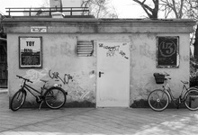 Laeacco Graffiti Dark Little House Bicycle Scenic Photographic Backgrounds Customized Photography Backdrops For Photo Studio