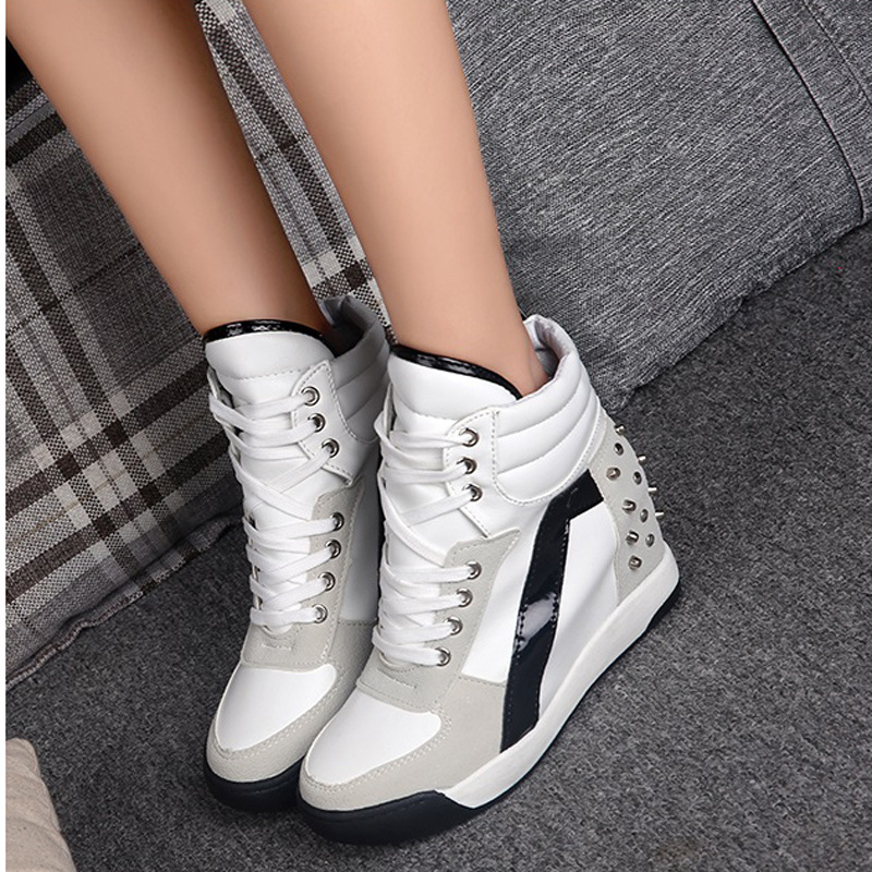 White Sneakers Women Casual Shoes Height Increasing Platform Flats Woman Shoes 2020 Fashion Sneakers Ladies Rivets Wedges Shoes
