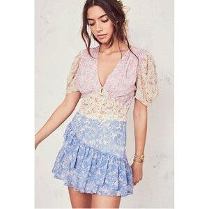 Image 2 - Boho loveshack/летние платья с v образным вырезом и оборками, тонкое шелковое праздничное платье с аппликацией в стиле пэчворк, особый интерес, мини платье со складками