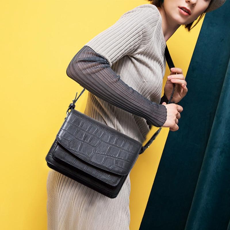 купить Women Shoulder Messenger Bags Fashion Crossbody Bag For Ladies Genuine Leather handbag Small Tote Bag Quality Femal Small Clutch по цене 4966.54 рублей