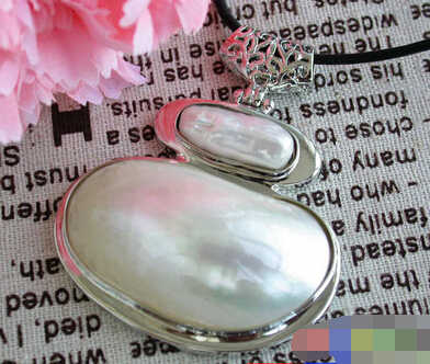 free shipping 001618 Big 48mm white mabe keshi pearl necklace crescent pendant