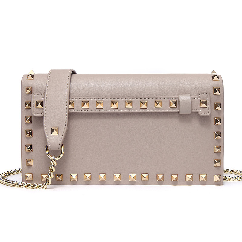 9011 New Fashion Leather Handbags Women's Messenger Bags Casual Cowhide Leather Day Clutches Women Trend Rivets Shoulder Bag 2017 new female genuine leather handbags first layer of cowhide fashion simple women shoulder messenger bags bucket bags