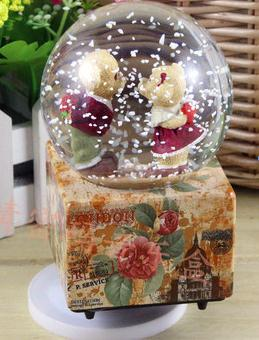venta caliente creativo copo de nieve bola de cristal de la caja de msica giratoria flotante