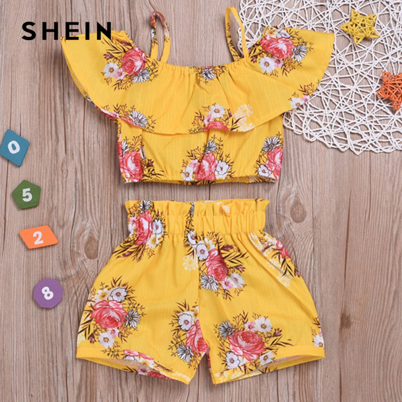 SHEIN Kiddie Yellow Toddler Girls Floral Print Cami Top With Shorts Girls Clothing Set 2019 Summer Cap Sleeve Kids Suit Sets high low flounce hem floral dress with cami