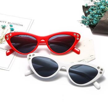 New Arrival moda okulary przeciwsłoneczne damskie Cat Eye okulary stylowe okulary przeciwsłoneczne damskie cena okulary przeciwsłoneczne marka projekt okulary tanie i dobre opinie Dla dorosłych Poliwęglan Kobiety 18006 SHYBIRD UV400 37mm Akrylowe 54mm