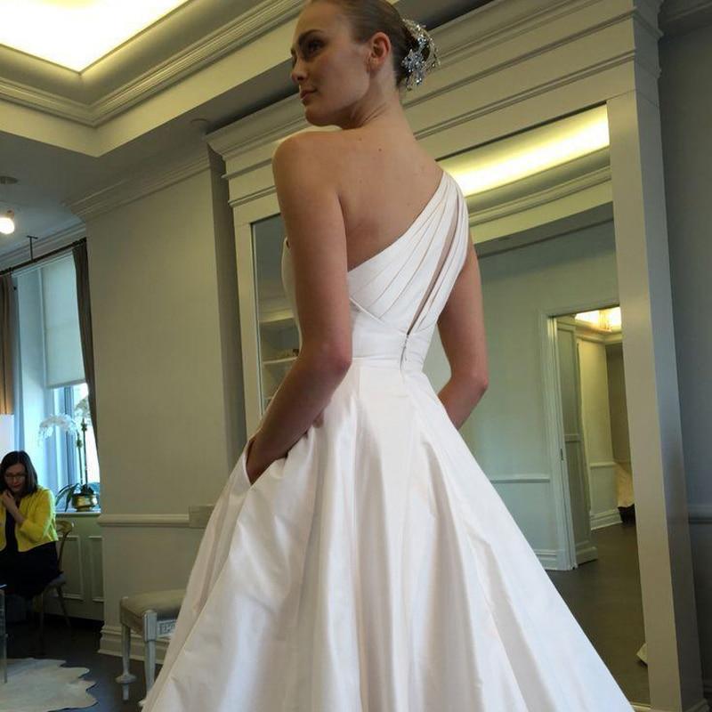 2017 Ball Gown Wedding Dresses Elegant One Shoulder Satin Wedding ...