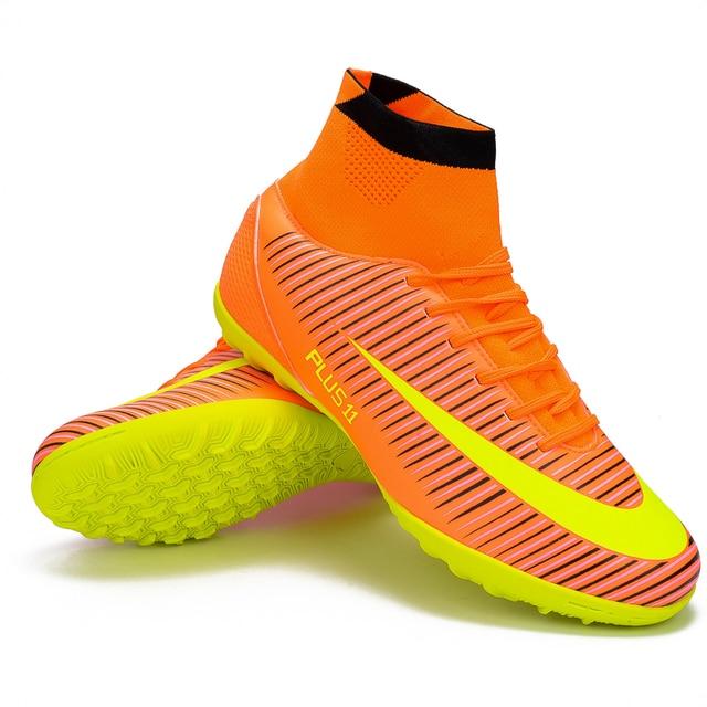 7831985ec8 Zhenzu Homens Azul Laranja de Alta Tornozelo Sola Turf Chuteiras Interior  Chuteiras de Futebol Botas Sapatos