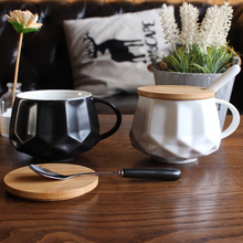 European coffee cup mug with cover spoon simple ceramic cup Coffee Mugs Milk Cups Creative Home Office Drinkware white/black mug цена