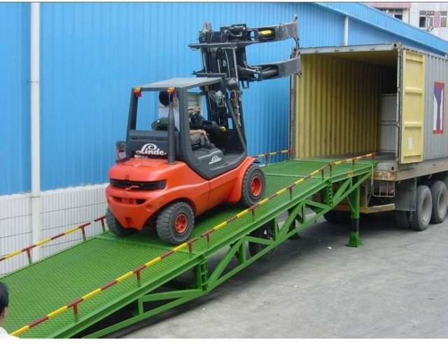 Mobile Hydraulic Loading Ramp For Container Load Working
