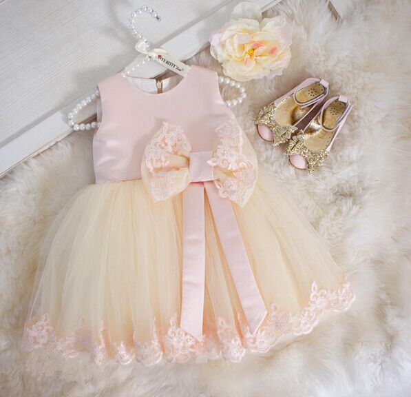 2016 Lace Flower Girl Dresses for 1 year Birthday Ball Gowns first communion dresses for girls pageant dresses with bow 2017 best selling custom first communion dresses for girls ball gown white lace with bow flower girl dresses kids pageant gowns