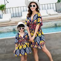 Family Matching Outfits Dress Sweet Summer Beach V Neck Dress 2018 Korean Mother Daughter Dress Wholesale Bohemian Flower Skirt