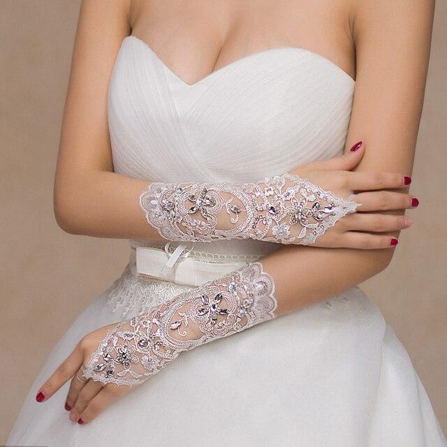 Brand new luvas de casamento 2017 melhor venda luvas de noiva com contas lace up elegante branco/marfim/vermelho princesa acessórios do casamento