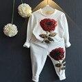 2016 Nueva 2-9 T primavera y otoño los niños que arropan la manera rose estilo de la flor que arropan para las muchachas 2 unids tops + pantalones