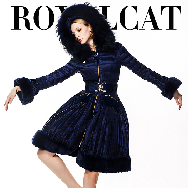 High Quality Luxury 2017 Down Coat Women For Royal Cat Female Fashion Large Fur Collar Down Parkas Long Design 8602