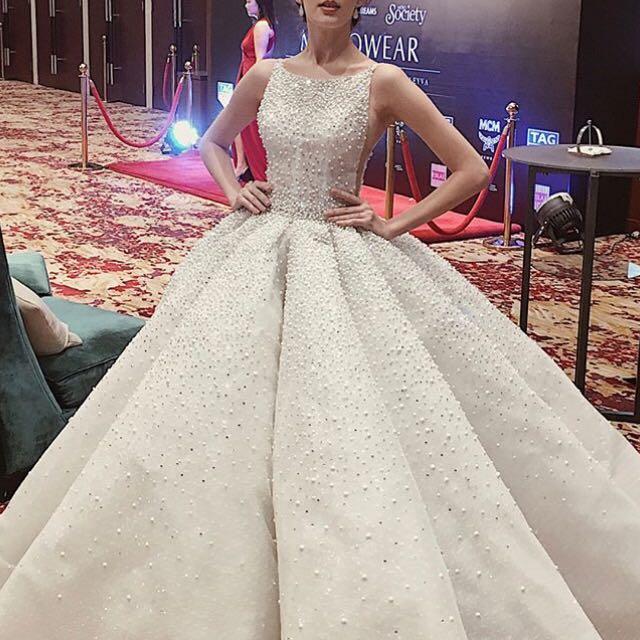 Eslib Elegant Custom made Sexy Illusion Ball Gown Wedding Dress 2018 Sheer Bodice Huge Sleevesless Special Bridal Gown