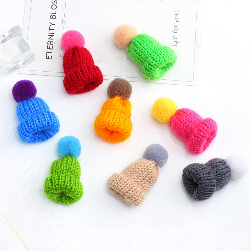 Cute Mini Hat Sweater Brooches 10 Color Woolen Knitted Hairball Hats Brooch Pins For Unisex Collar Badge Pin Accessories