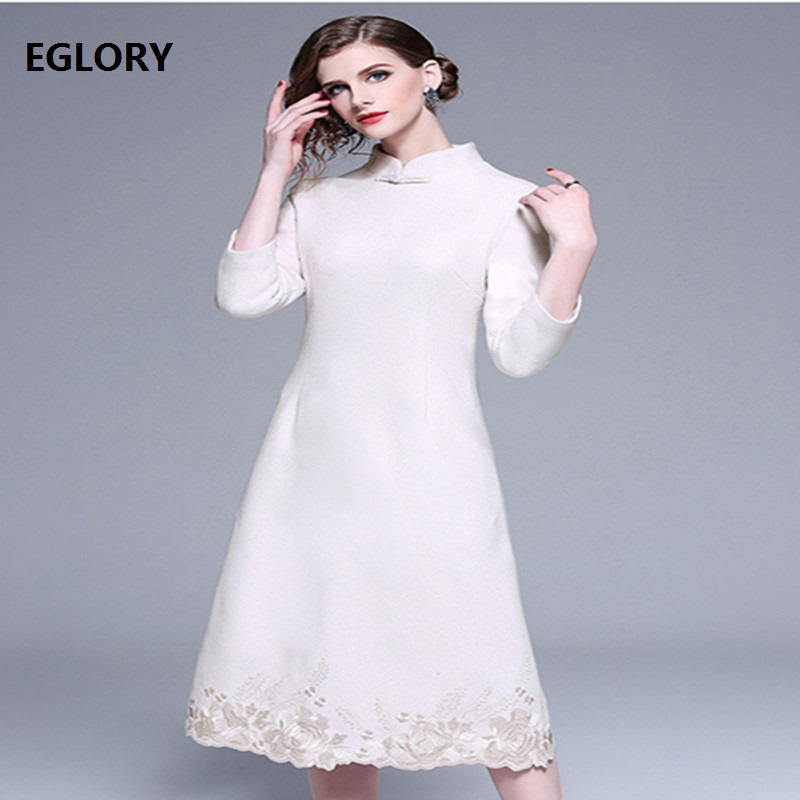Top Quality New 2018 Winter Wool Dress Women Vintage Embroidery Three Quarter Sleve Mid Calf Length Vintage Party Qipao Dress