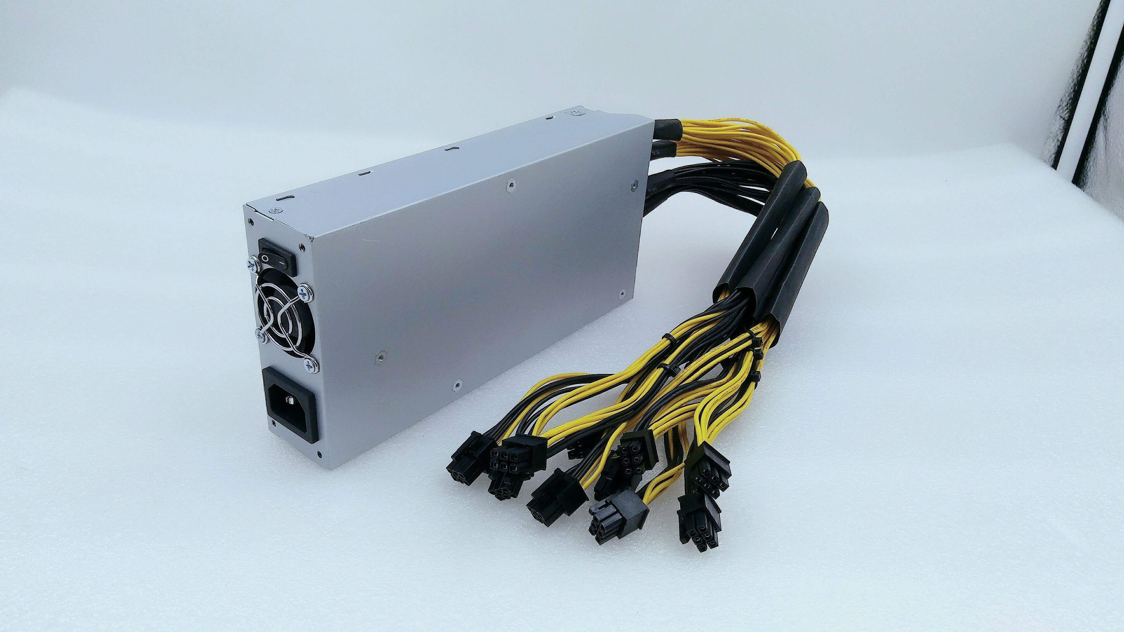 used80-90% new Ebit E9i 13.5T Bitcoin BTC BCH Miner WITH PSU Economic Than Antminer S9 13T  14T T9+ S11 S15 Z9 Z11 WhatsMiner M3 5