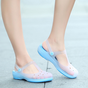 Image 5 - 2019 Nurse Hole Shoes Medical Shoes Summer Women Female Hospital Comfortable Soft Bottom Anti Slip Doctor Nurse Shoes Work Shoes