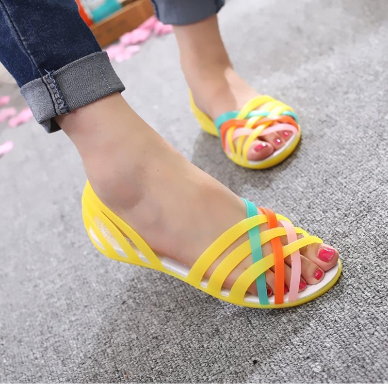 HTB1jhoagWAoBKNjSZSyq6yHAVXav MCCKLE Women Jelly Shoes Rainbow Summer Sandals Female Flat Shoes Ladies Slip On Woman Candy Color Peep Toe Women's Beach Shoes