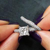Тесты положительный 2.5 карат Принцесса Cut mossanite Gem обручальное из натуральной 585 Кольца, 1 кольцо центр Камень 2.5ct + 2 полосы = 3 шт.
