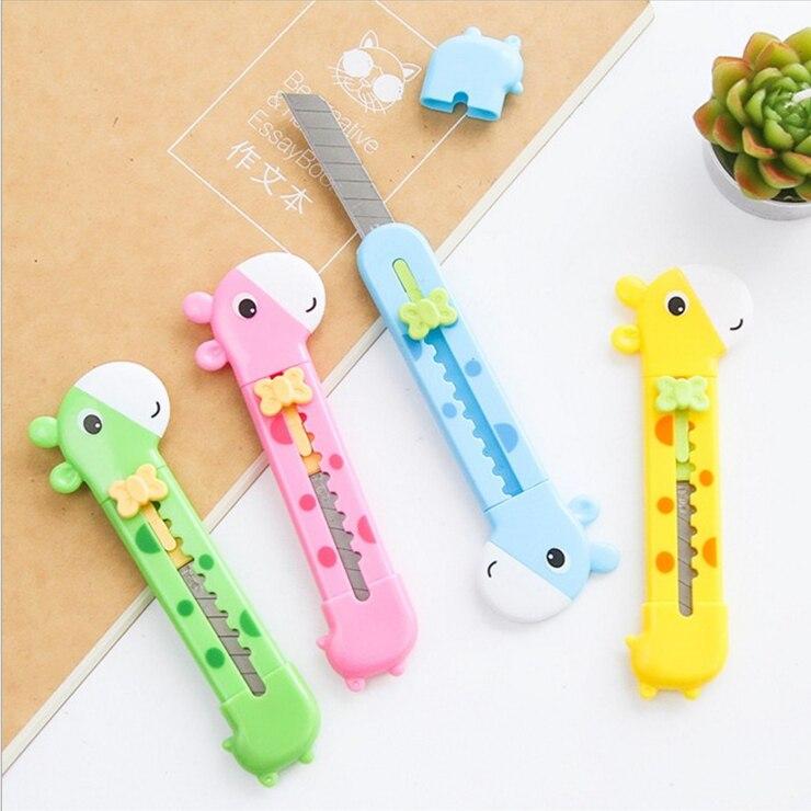 4Pcs/Lot Cute Giraffe Utility Knife Paper Cutter Cutting Paper Razor Office Stationery Escolar Papelaria School Supply E2070