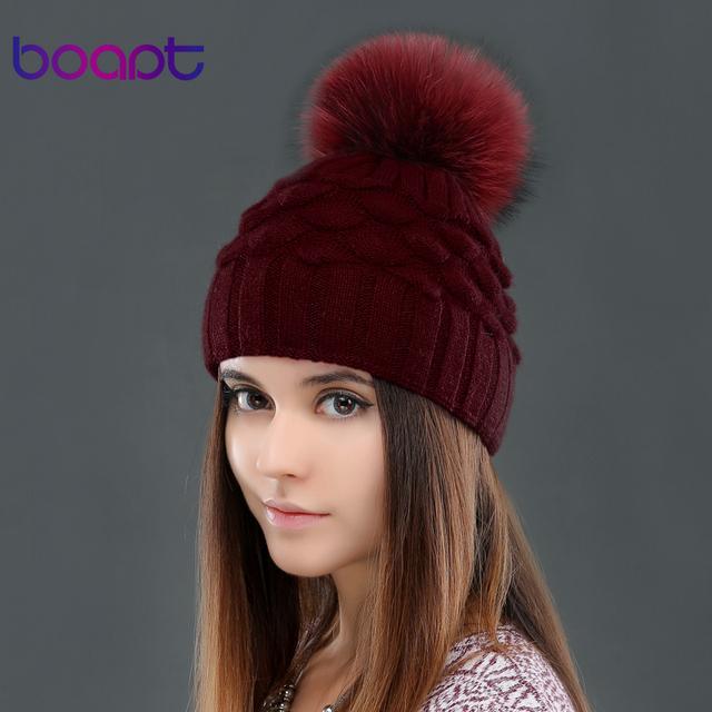 BOAPT lana doble-cubierta de escamas de pescado decoración de tapas para las mujeres del invierno genuina piel de mapache pompones knited sombreros de la gorrita tejida sombrero de mujer