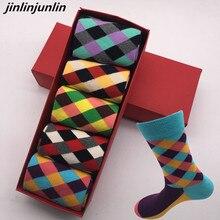 2018 Hot standard new socks men s British style cotton socks retro colors Harajuku Street fashion