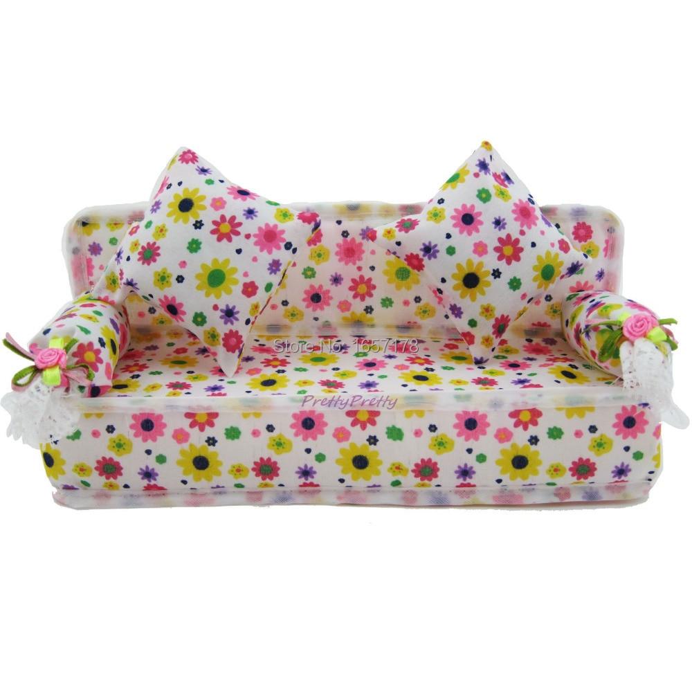 e89343405 شحن مجاني لطيف مصغرة دمية الأثاث زهرة القماش أريكة الأريكة مع 2 كامل وسائد دمية  باربي DIY اكسسوارات
