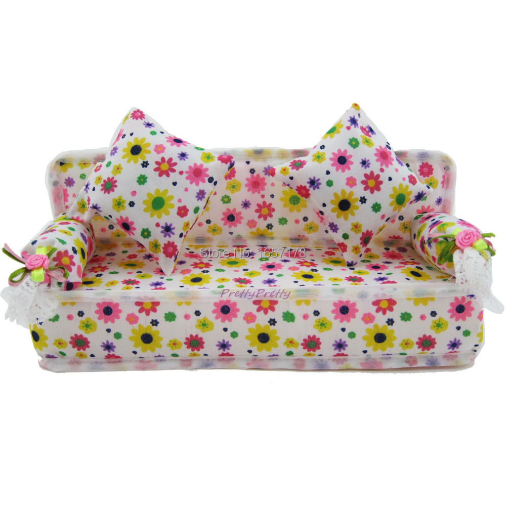 Free Shipping Mini Dollhouse Furniture Flower Cloth Sofa Couch With 2 Full Cushions For Barbie Doll  House Toys Hot Selling free shipping high quality 2015 mini disc flower sinamay fascinator with feather for race