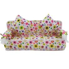 Бесплатная Доставка Мини Кукольный Домик Мебель Цветок Ткань Диван Диван С 2 Полный Подушки Для Барби Куклы Дома Игрушки Горячий Продавать