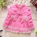 2016 Primavera Otoño Niños de los Bebés del Bebé Bebe Arco de Encaje Princesa Chaqueta de Punto Prendas de Vestir Exteriores Capa de la Muchacha Abrigos S1875