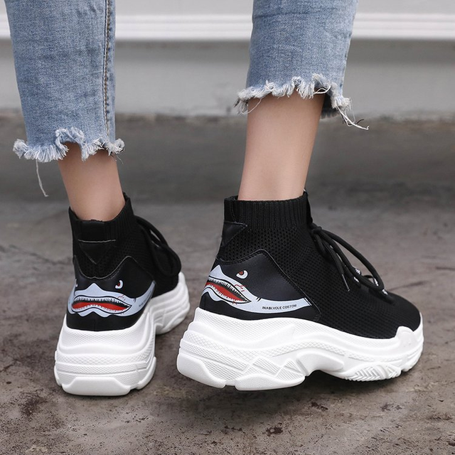 2018 New Women Sneakers Shoes Woman Flats Platform Loafers Ladies Air Mesh Casual Work Take A Walk Shoes Europe Designer Style