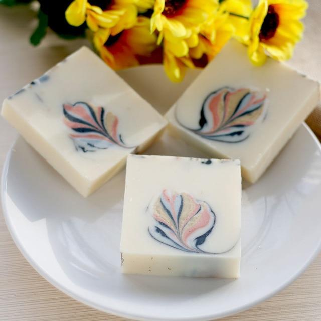 Herbal Mineral Mud Soap Handmade Soap Skin Moisturizing Deep Cleaning Soap