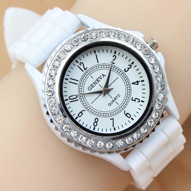 Luxury Brand Leather Quartz Watch Women Ladies Fashion Bracelet Rhinestone Wristwatches Clock