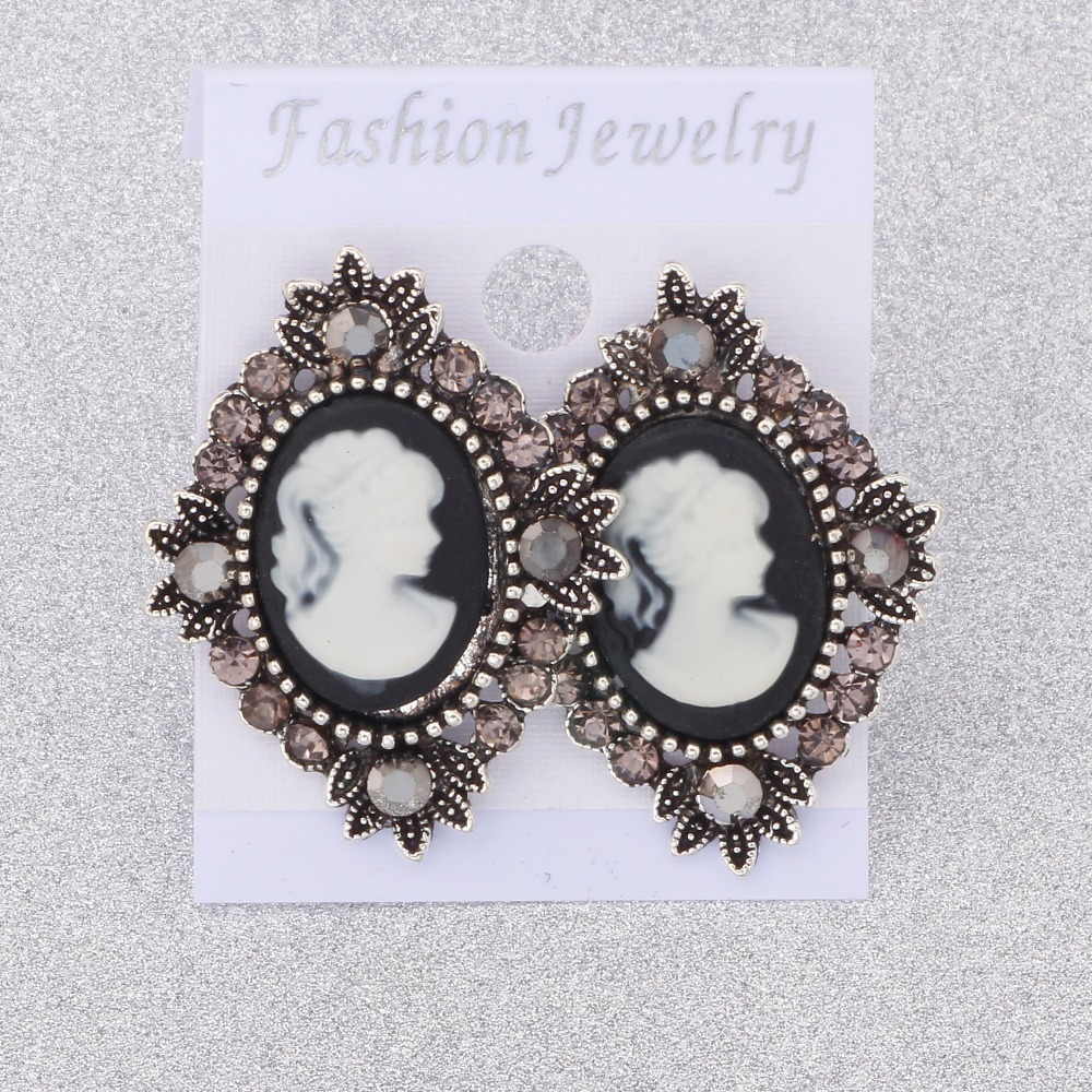 2018 Classic Style Spring Fashion Jewelry Women Earrings Multicolor Stud Earrings For Beautiful Lady Gifts Free Shipping