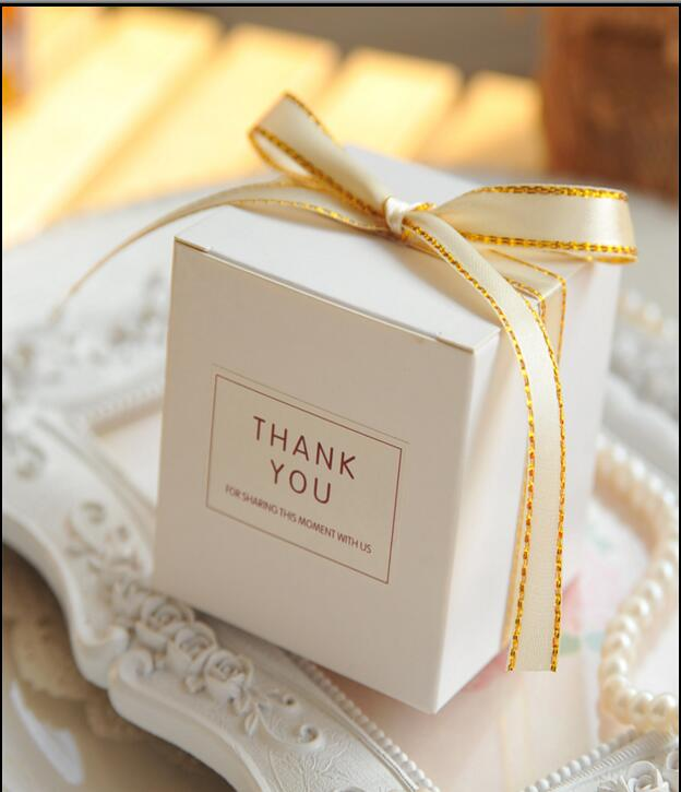 European Simple Atmosphere White Cube Candy Boxes Wedding Party Supplies Gift Packing Box Baby Shown Favors Gift Bag