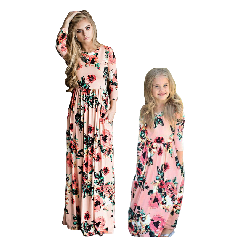 Mom Daughter Bohemian Maxi Costume Household Matching Outfits 2019 Vogue Mommy And Me Floral Lengthy Costume Household Fitted