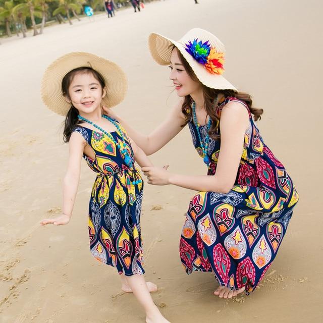 df0c9ccab6a0cd5 Платье для мамы и дочки, одежда для всей семьи, модные пляжные платья для  отдыха