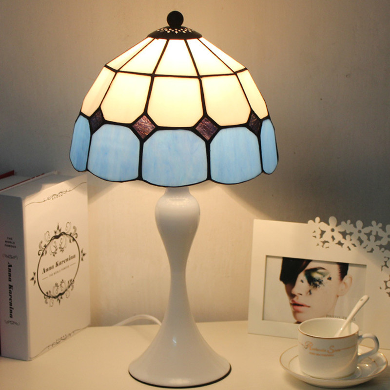 Tiffany Table lamp with handmade lampshade tiffanylamp Bedroom Living room Bed Side indoor home deco stained glass table lampTiffany Table lamp with handmade lampshade tiffanylamp Bedroom Living room Bed Side indoor home deco stained glass table lamp