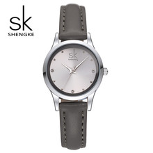 Shengke Marca Moda Mujer Relojes de Pulsera de Cuero Relojes Ladies Casual Analógico Caja de Plata Reloj de Cuarzo Relogio Feminino Regalo SK