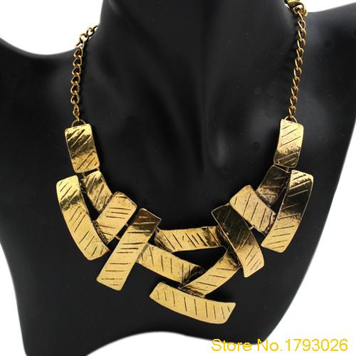 Women Irregular Squares Pendant Chain Bid Metal