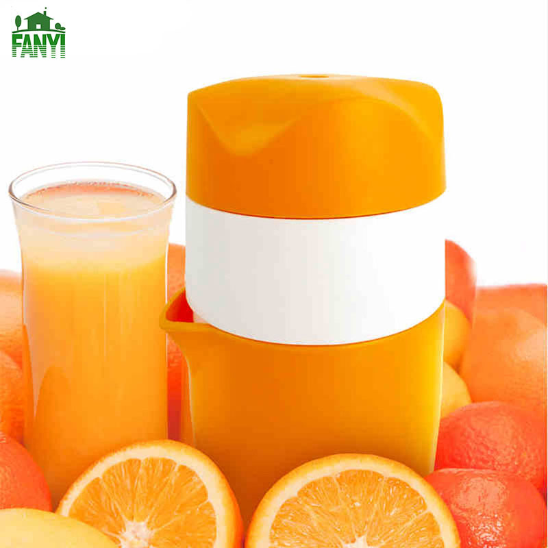 FANYI New Creative Mini Lemon Squeezers Portable Manual Orange Juicer Easy to Use Household Fruit Reamers for free shipping